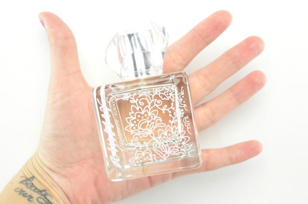 Avon Amour Eau De Parfum review, avon perfume, amour perfume
