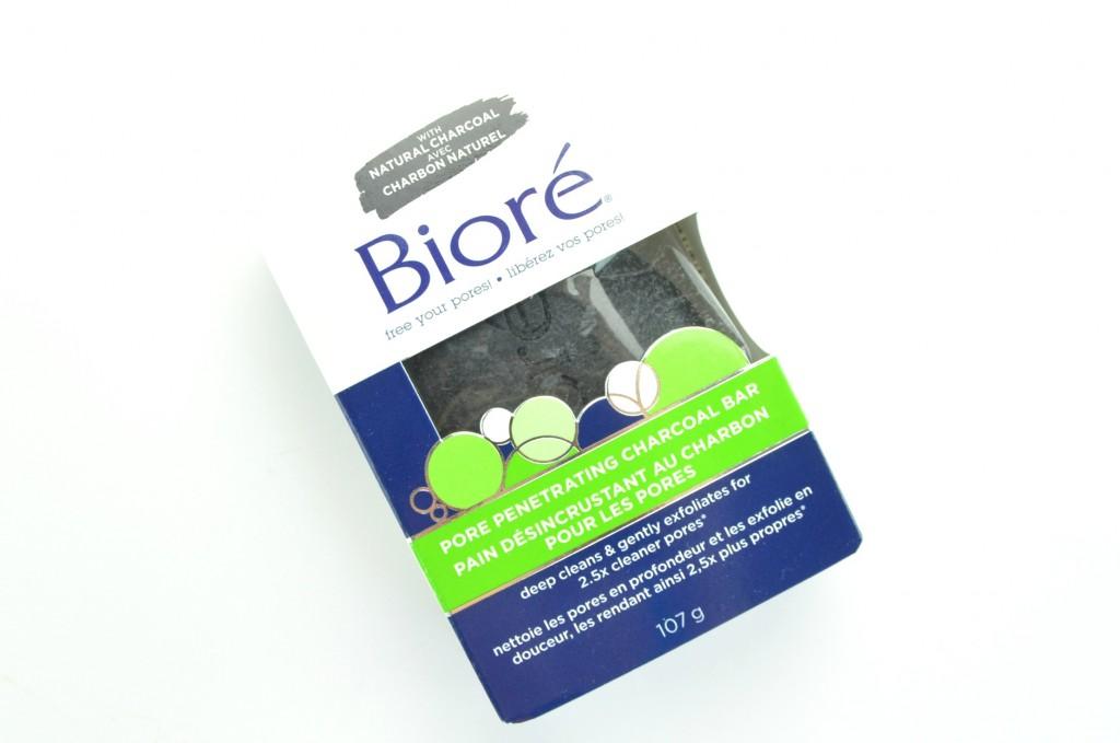 Bioré Pore Penetrating Charcoal Bar