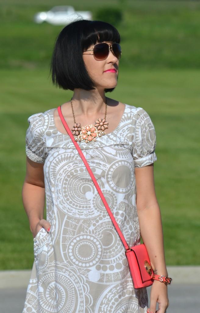 What I Wore, Canadian fashionista, h&m dress, aviators, Kate spade Purse, Kate Spade coral handbag, BCBG Bracelet, taupe flats, Miz Mooz