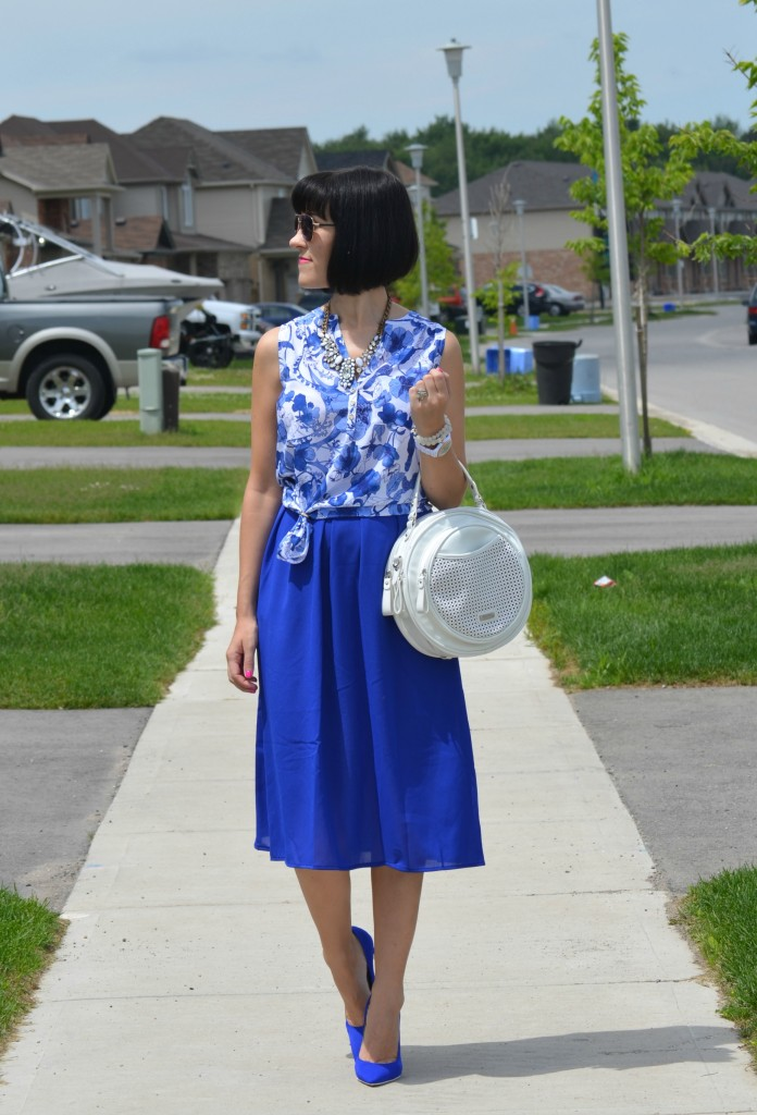 What I Wore, Canadian fashionista, floral print blouse, statement necklace, white fossil watch, pinkstix, white circle purse, Jeffery campbell Pumps