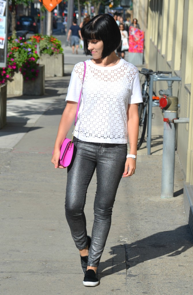What I Wore, Canadian fashionista, white top, gap tee, purple purse, H&m purse, white fossil watch, silver pants, swarovski bracelet, Slip-on Sneakers