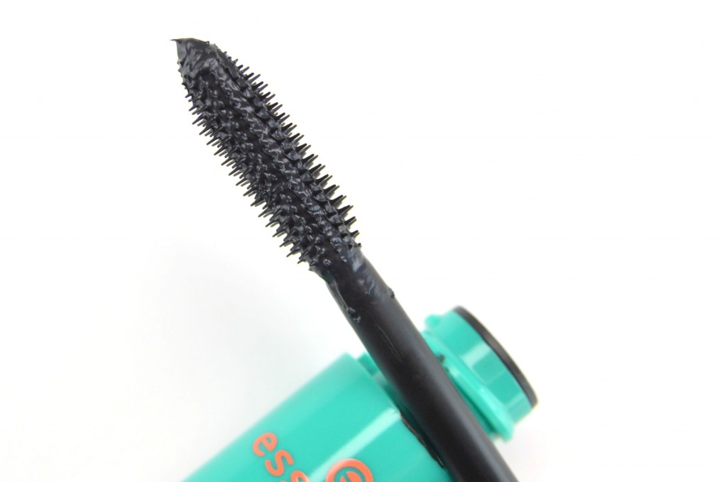 Essence Plump No Clump Mascara Deep Black