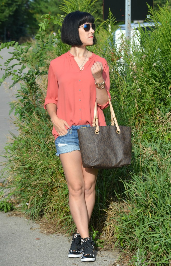 What I Wore, Canadian fashionista, Canada fashion blogger, burnt orange blouse, GERRY WEBER blouse, Pearls For Girls jewelry, Michael Kors rose gold watch American Eagle shorts,  Kate Spade sneakers