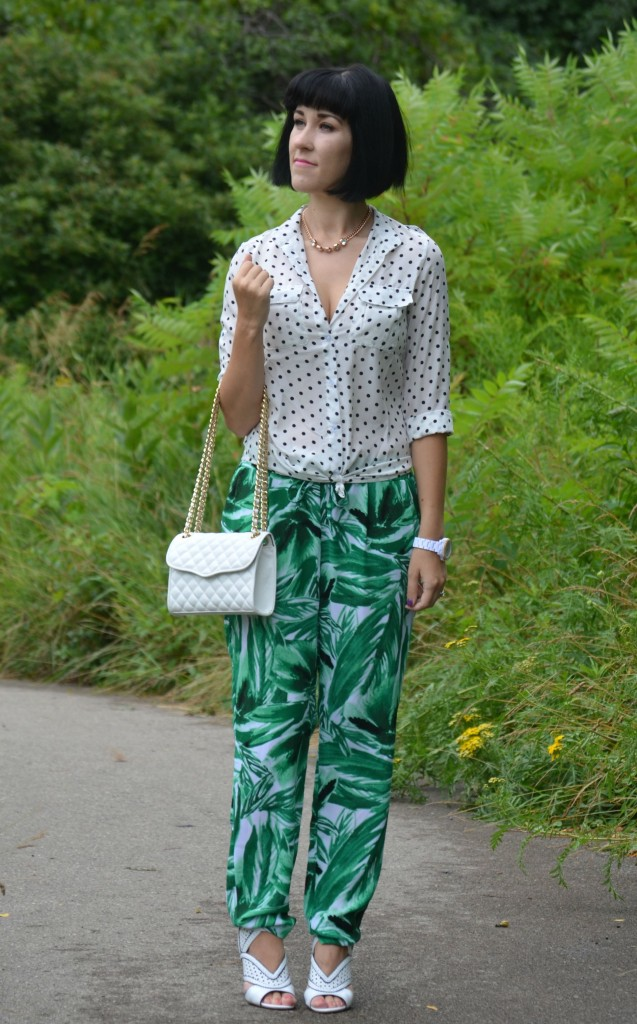 What I Wore, Canadian fashionista, polka dot blouse, white Fossil watch, white quilted Rebecca Minkoff Purse, Palm Tree Pants, white Nine West heels, Martinique wallpaper