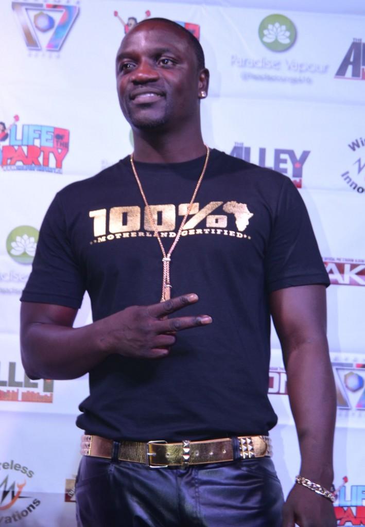 Akon (4)