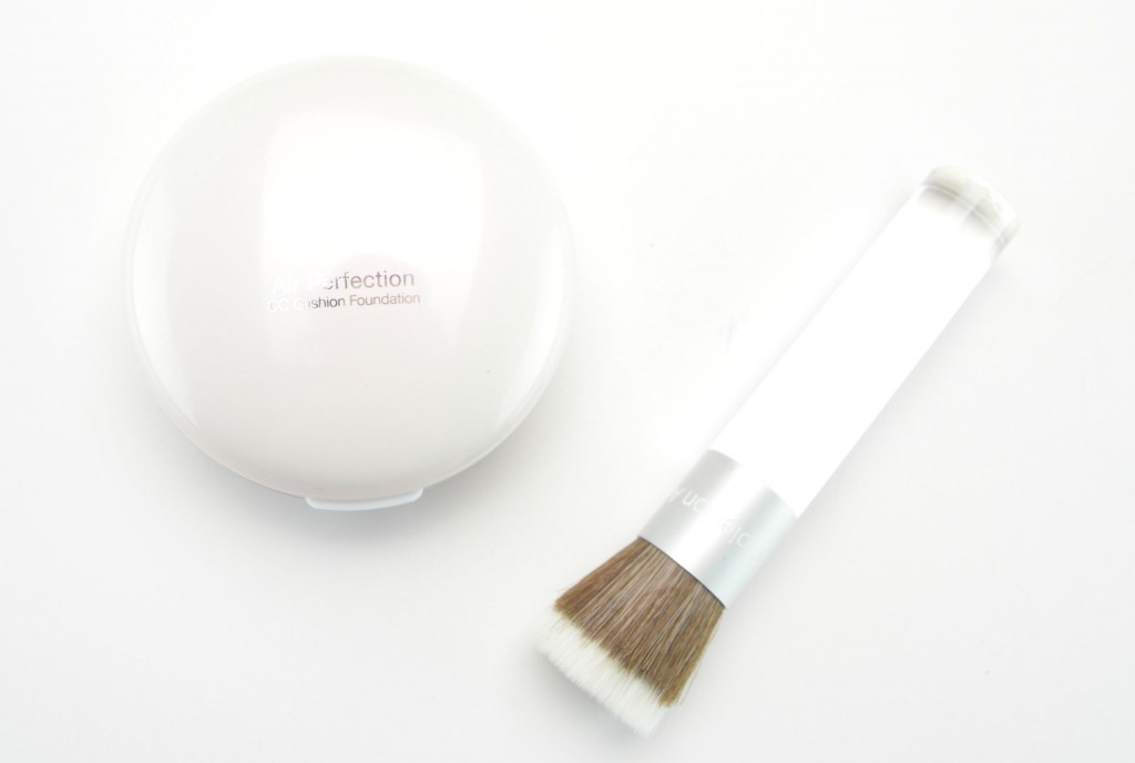 Pür Minerals Liquid Chisel Brush