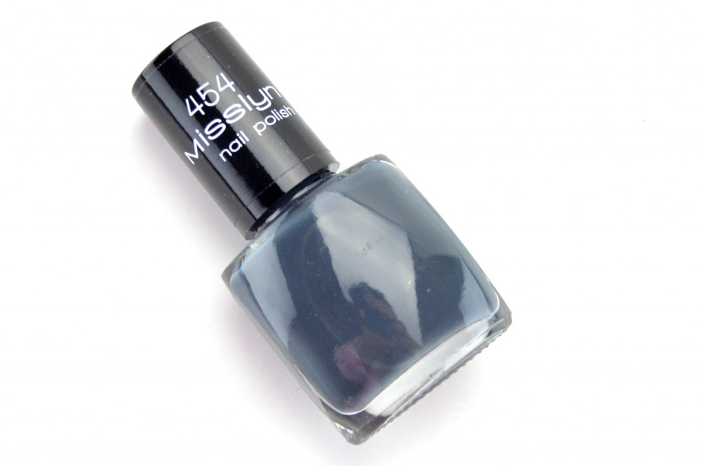 Misslyn Nail Lacquer in 454 Grey Noblesse