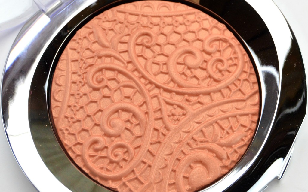ry Kay Sheer Dimensions Powder in Lace
