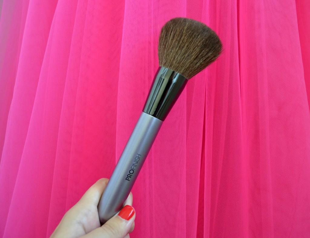 ProFinish The Luxurious Powder Brush