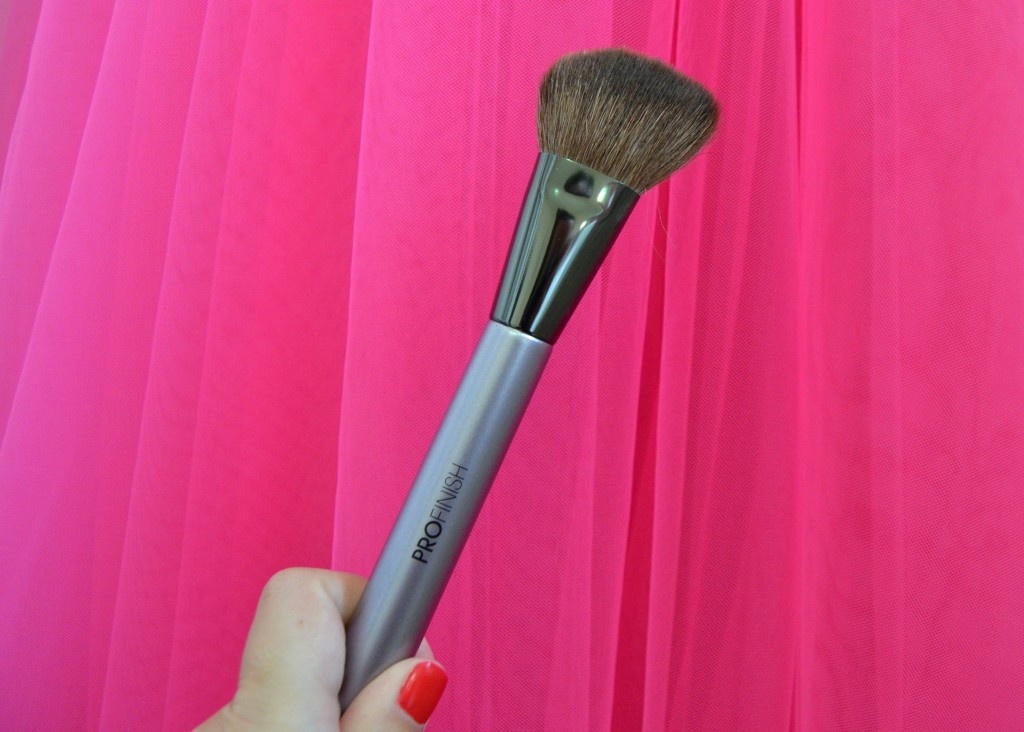 ProFinish Angled Contour Brush