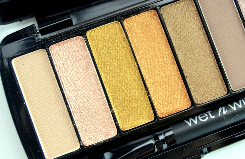 Wet N Wild10-Pan Studio Eyeshadow Palette in Coming in Latte