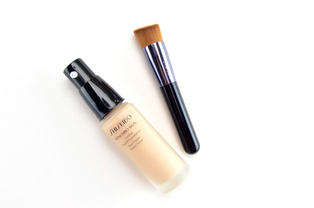 Shiseido Synchro Skin Lasting Liquid Foundation in Rose 2