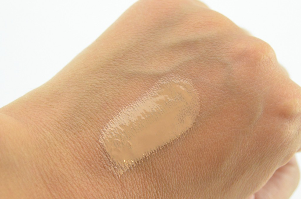 Lise Watier Lumière Cushion Compact Liquid Foundation-to-Go (8)-min