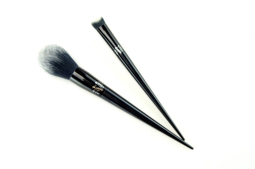 Kat Von D Lock-It Collection brush