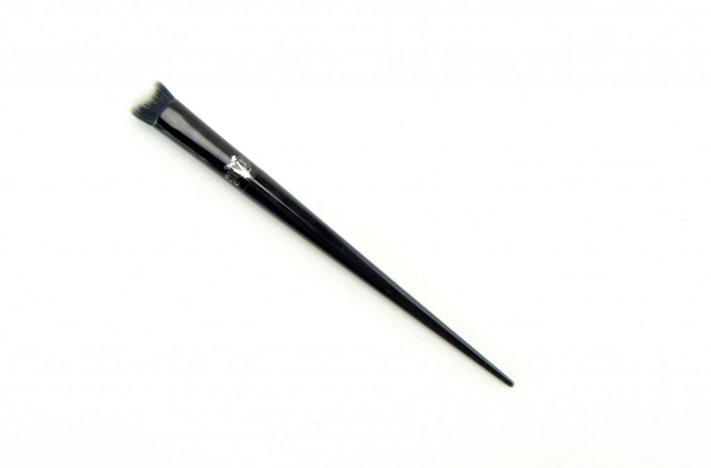 Kat Von D Lock-It Lock-It Edge Concealer Brush