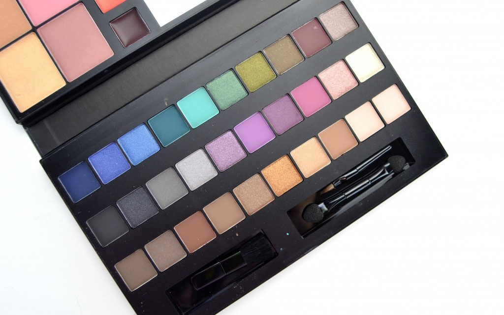 Avon True Color For the Love of Makeup Artist Palette