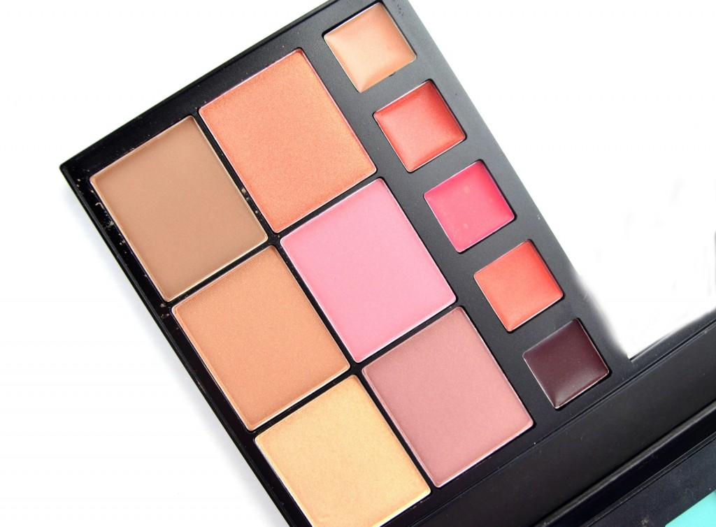 Avon True Color For the Love of Makeup Artist Palette