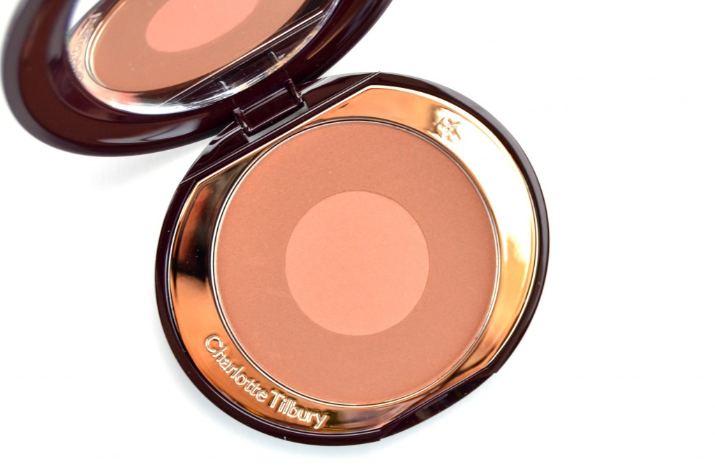 Charlotte Tilbury Cheek To Chic Swish & Pop Blusher in The Climax