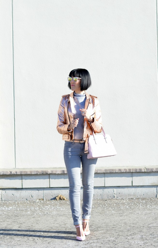 How to style a rose gold bomber jacket, blog Toronto, blog Canada, fashion tips, fashion style, fashion bloggers Toronto