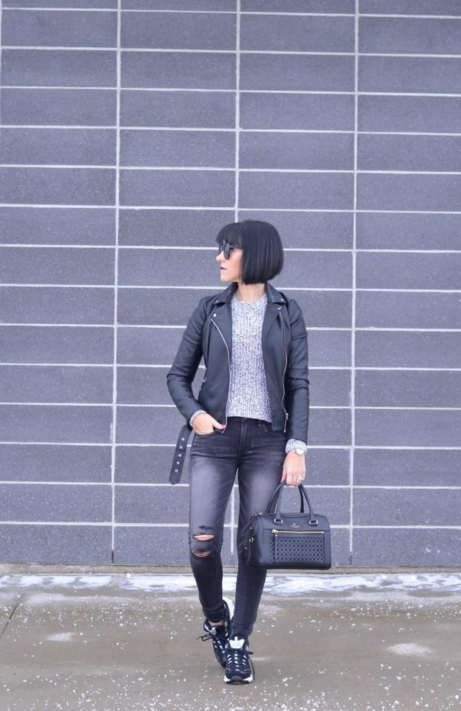 Skechers D'Lites, skeckers, d'lites, black sneakers, black kicks, black skinny jeans