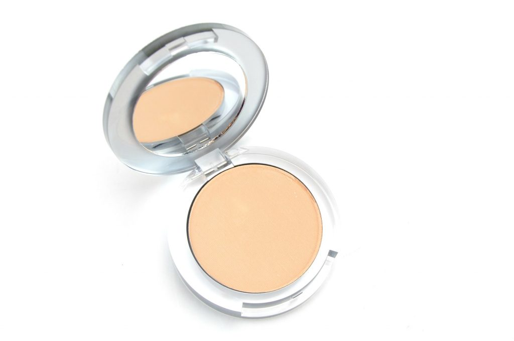 Pür 4-in-1 Pressed Mineral Powder Foundation, pur cosmetics, pur foundation, blog Toronto, blog Canada, fashion bloggers Toronto, how to start a fashion blog, hello fashion blog