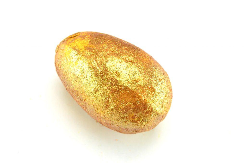 LUSH Golden Egg Bath Bomb Melt