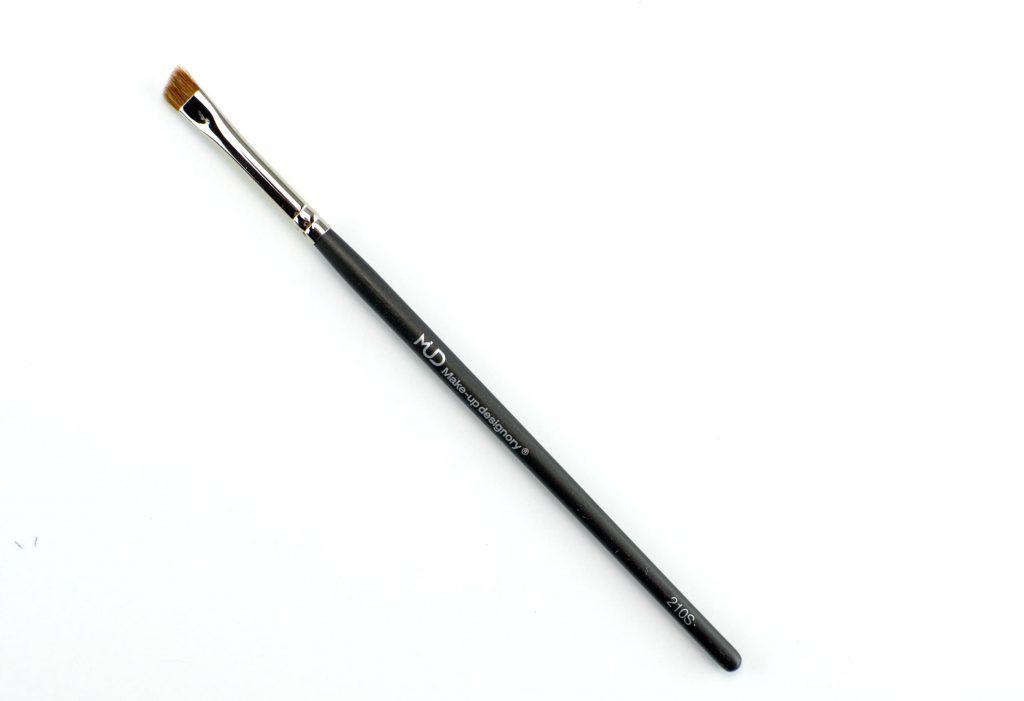 MUD Angle Eyeliner Brush #210