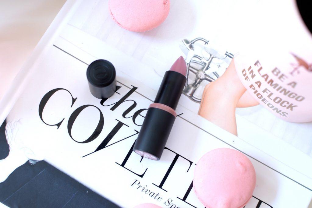 Essence Longlasting Lipstick in 26