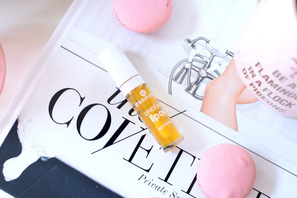 Essence Prettifying Lip Oil