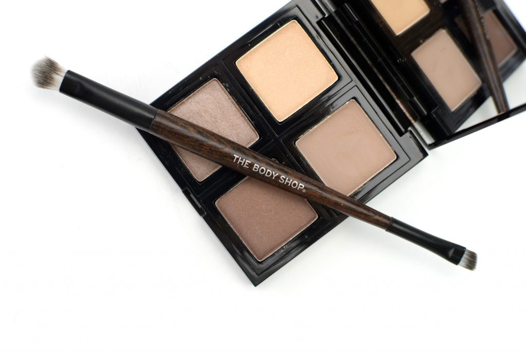 The Body Shop Dual-Ended Eyeshadow Brush