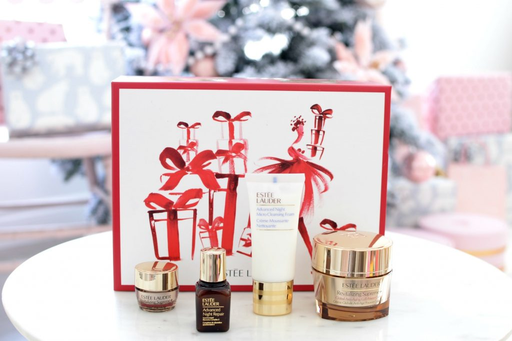 Estée Lauder with this 4-piece set