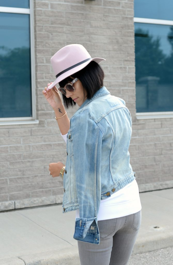White Calvin Klein Sweater, CK Sweater, Who to wear a Logo Sweater, Toms Sunglasses, Pink Fedoa, Wittnauer Watch, Gold Watch, Denim Jacket, Gap Denim Jacket, How to style a jean jacket, how to style a denim jacket, jean jacket