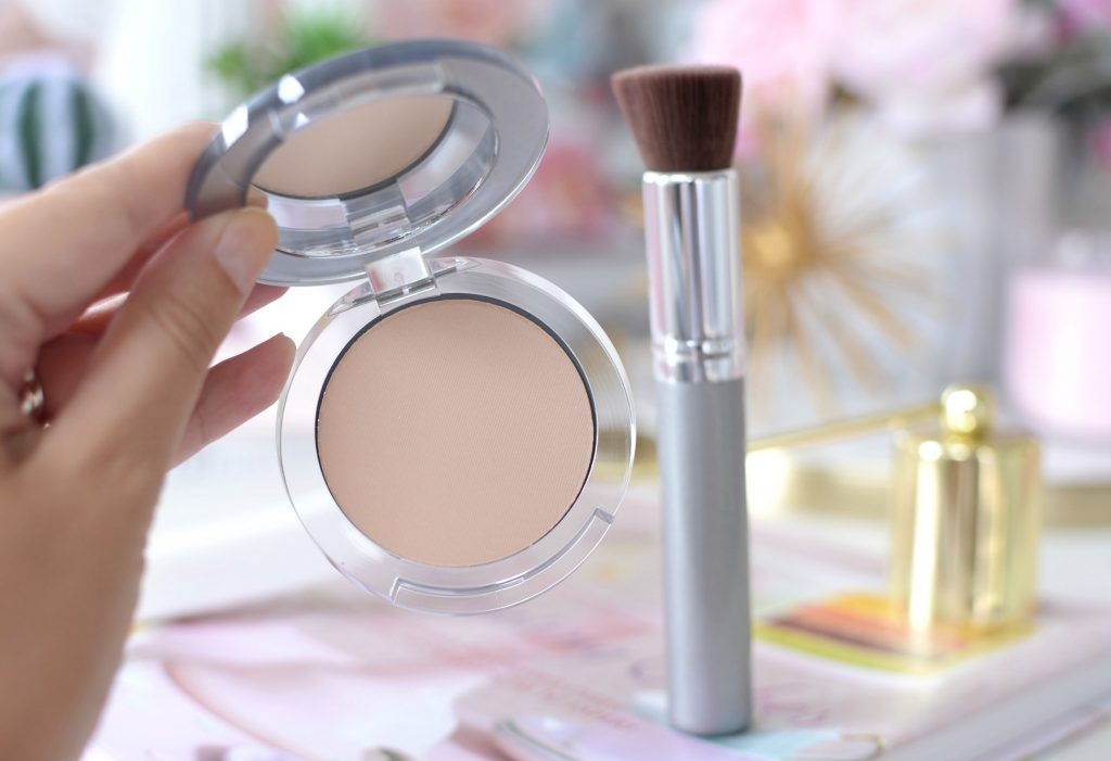 Pür Minerals 4-in-1 Pressed Mineral Powder Foundation