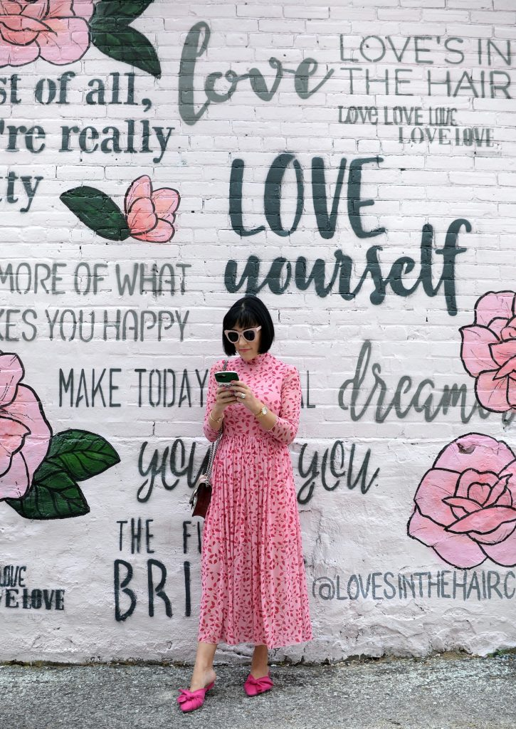 Most Instagram Worthy Places in Toronto, Ontario, Cops Coffe Toronto, Calii Love, Sweet Jesus, Cutiepie Cupcakes, Graffiti Alley, Rush Lane, Chubby's Jamaican Kitchen, Sorelle and Co. Bakery, Lab Sense, Cocktail Emporium