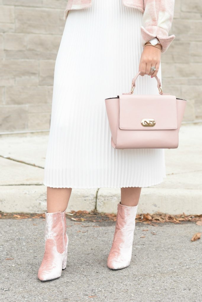 Aritzia Pleated White Skirt