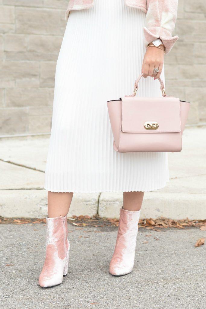 Aritzia Pleated White Skirt