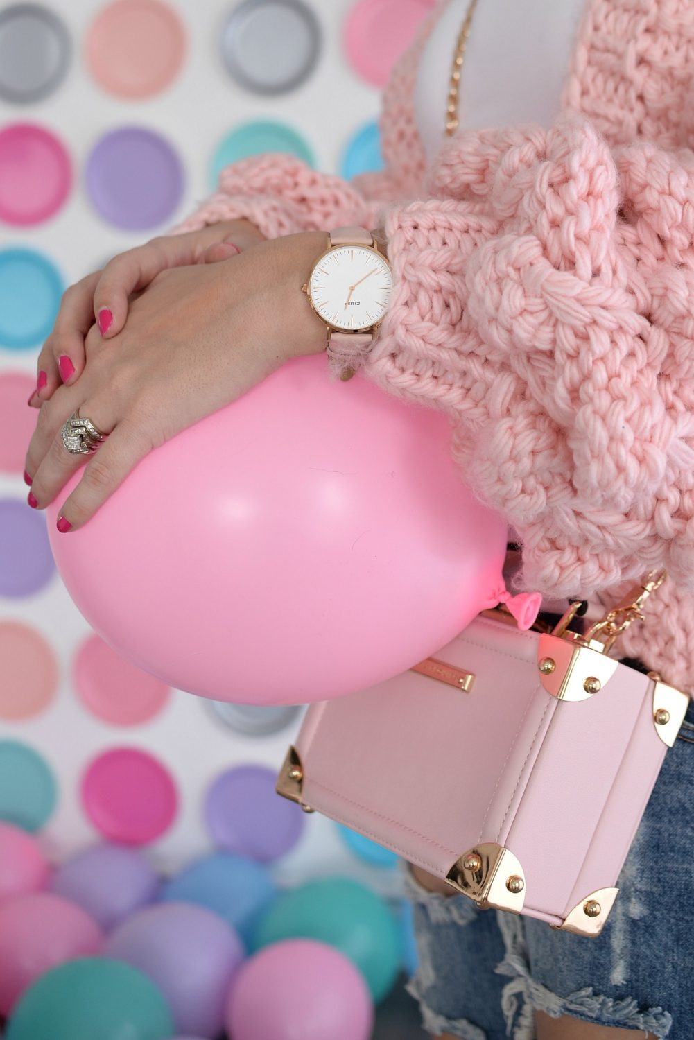 Pink Chic Wish Sweater, Plate backdrop, pink balloons (12)
