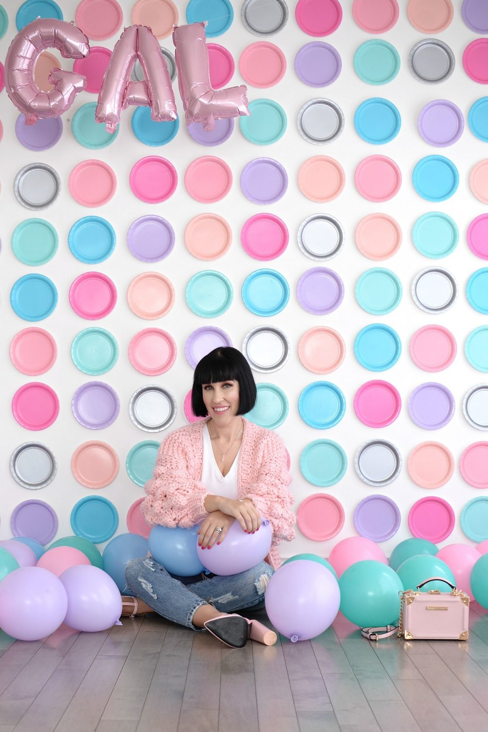 Pink Chic Wish Sweater, Plate backdrop, pink balloons (6)