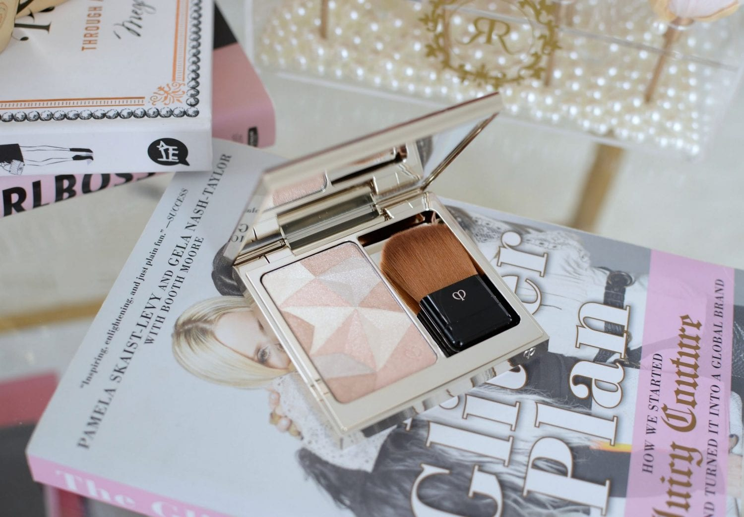 Luminizing Face Enhancer from Clé de Peau | The Pink Millennial