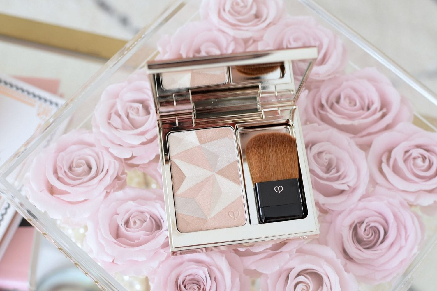 Soft Romantic Pink Makeup Look featuring Cle de Peau (16)