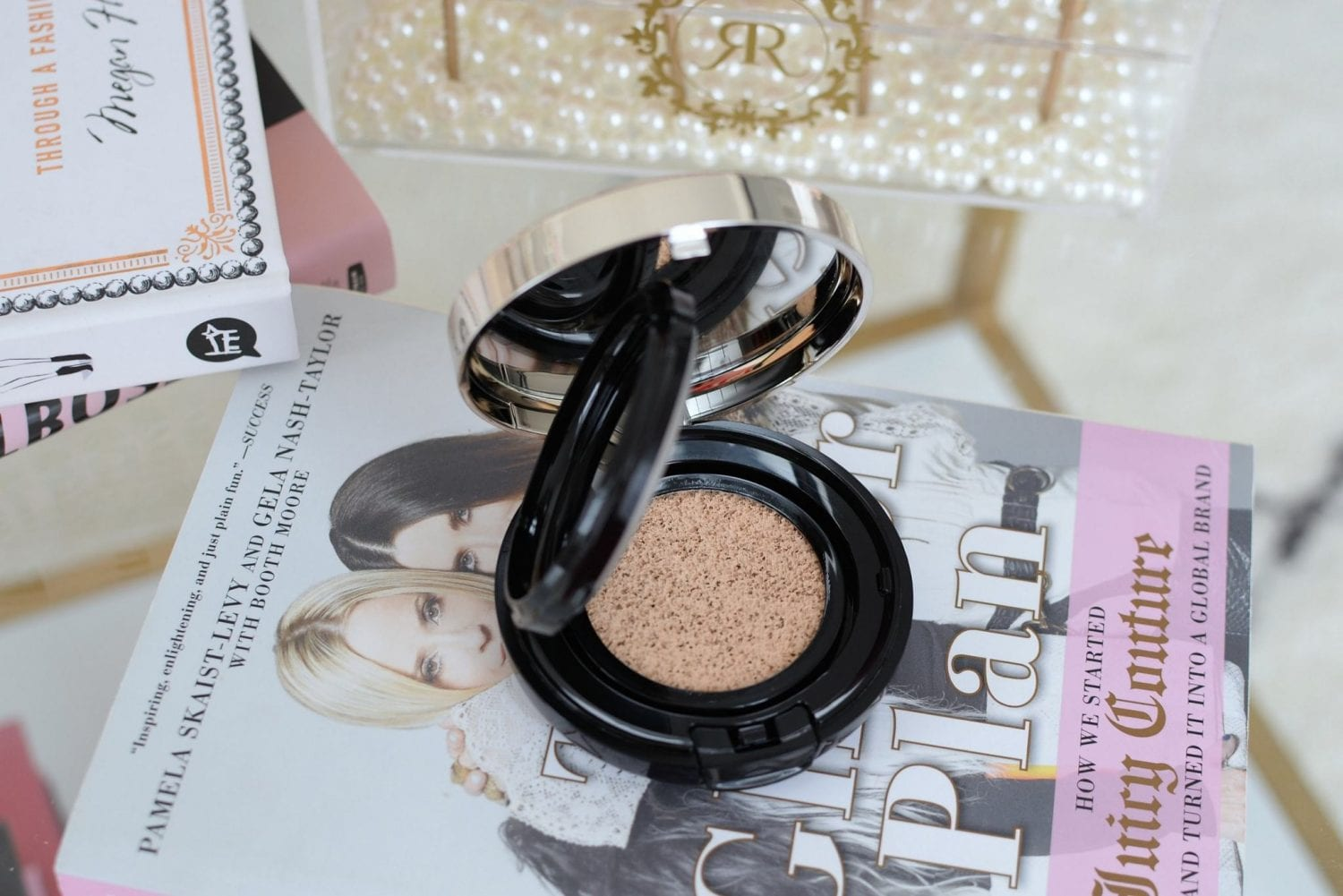 Clé de Peau Radiant Cushion Foundation | The Pink Millennial