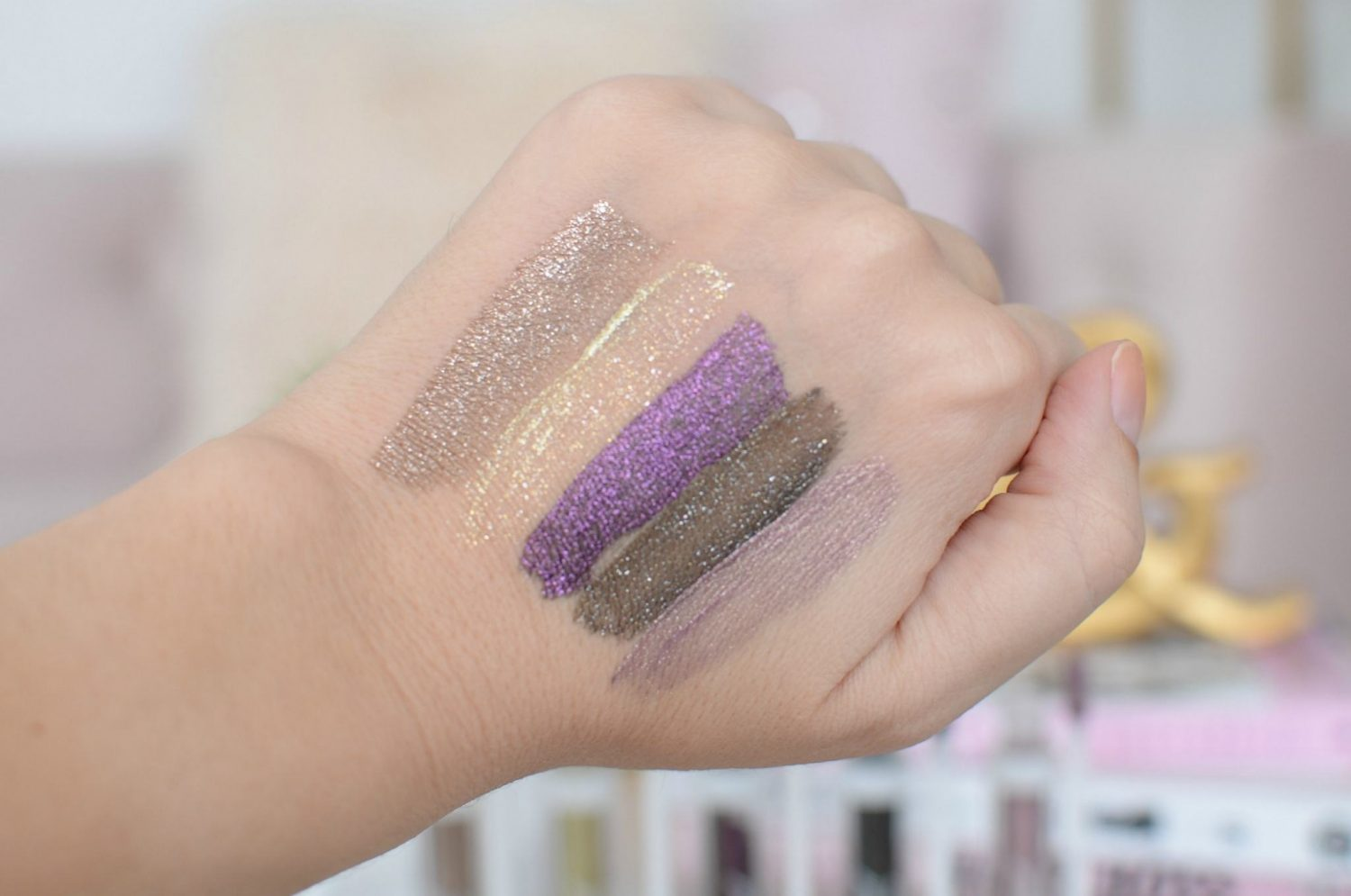 Wet N' Wild Mega Last Liquid Catsuit Shimmer Liquid Eyeshadow