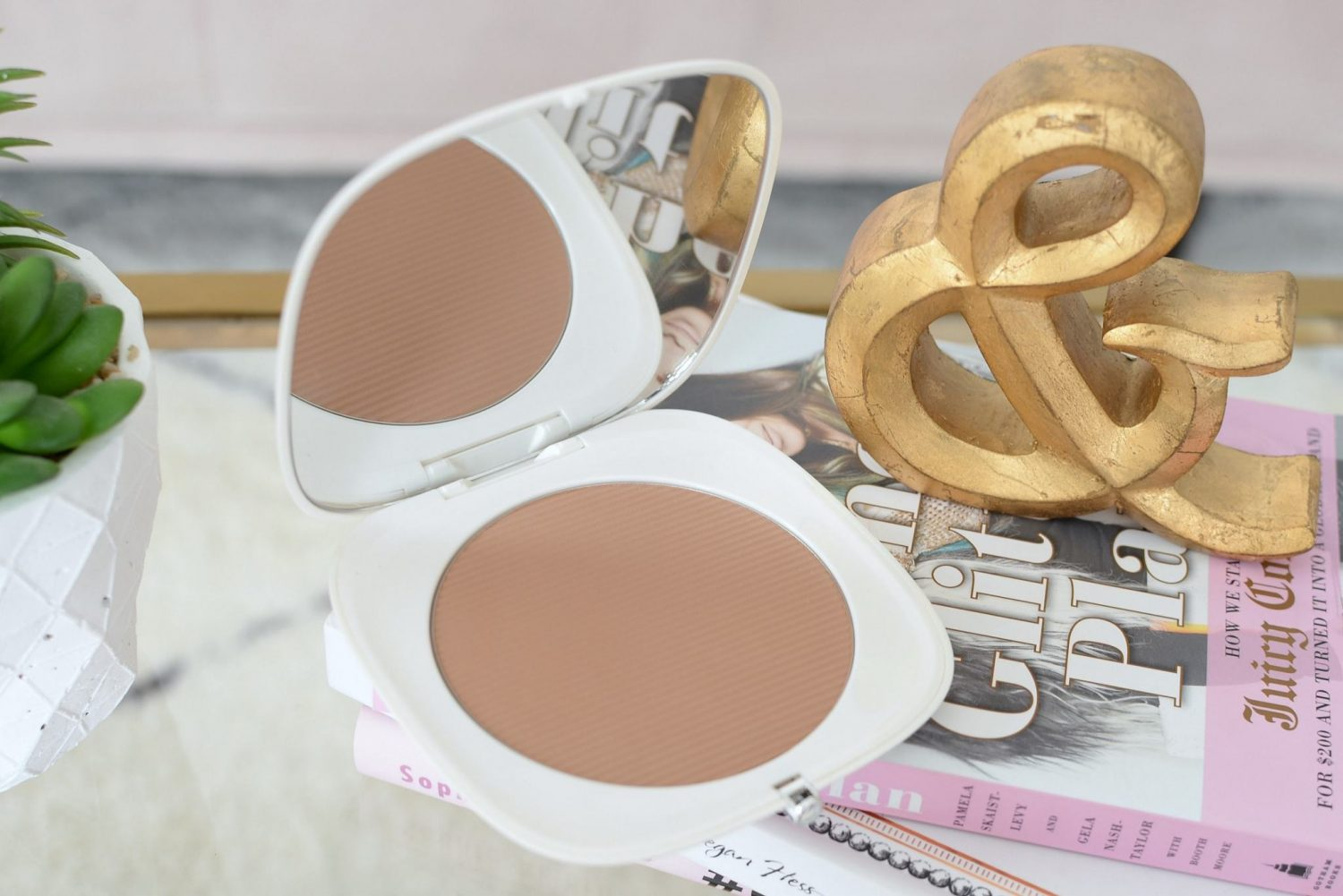 Marc Jacobs O!Mega Bronze Coconut Perfect Tab Bronzer in Tan-Tastic!
