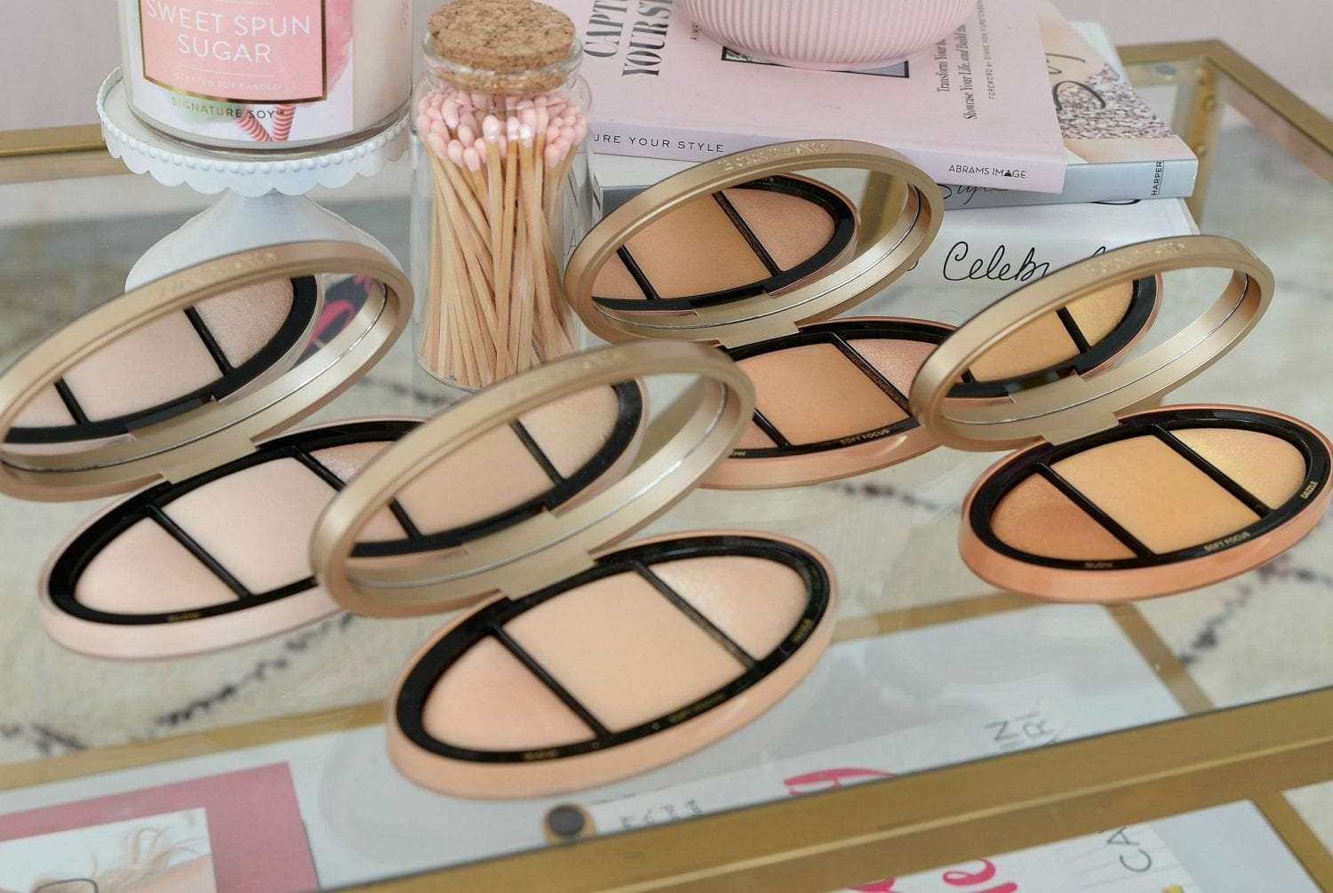 Too Faced Born This Way Turn Up The Light Complexion-Enhancing Highlighting Palette