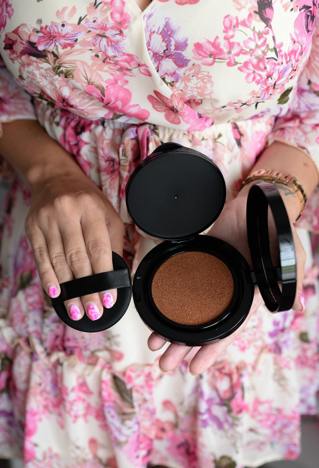 Avon fmg Colors of Love Sunkissed Cushion Bronzer