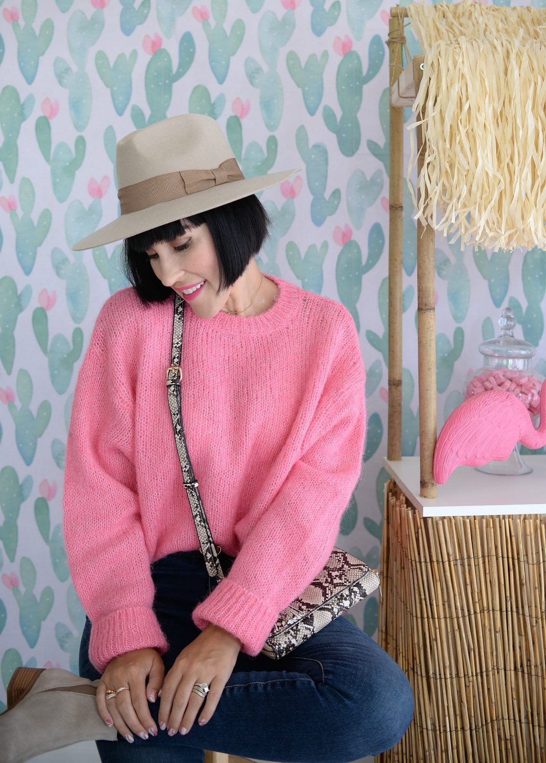 How to Style A Wide Brim Hat