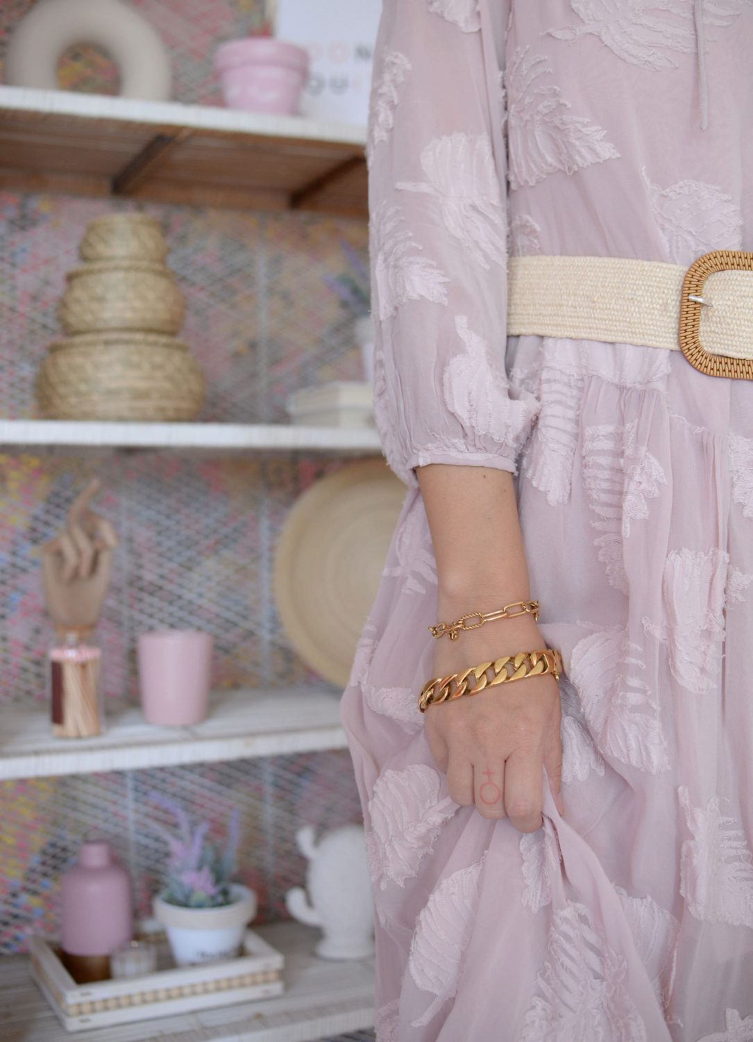 Small Fashion Mistakes That Can Ruin A Perfect Outfit